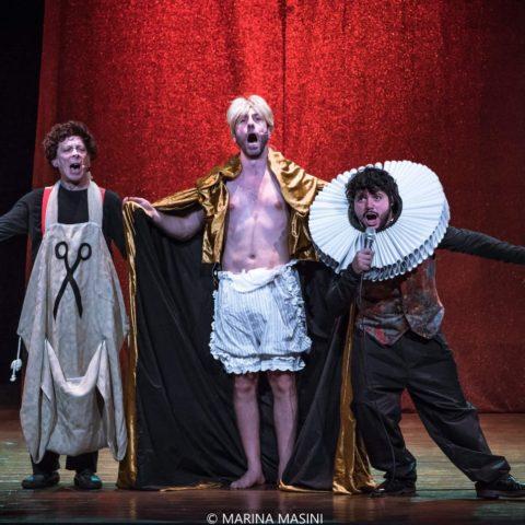 (foto FIABE trio Aladino vestiti)
